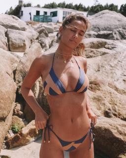 María Pombo in Bikini [1080x1350] [485.61 kb]