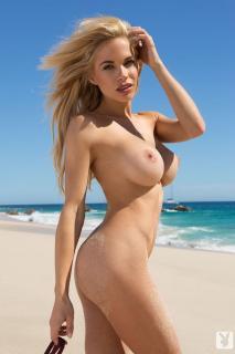 Dani Mathers en playboy desnuda [683x1024] [88.59 kb]