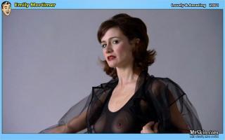 Emily Mortimer [952x597] [46.93 kb]