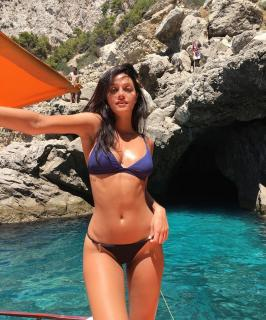 Oriana Sabatini en Bikini [1080x1299] [456.41 kb]