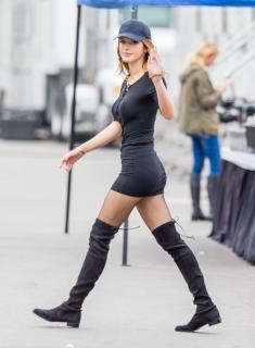 Bella Thorne [2649x3600] [996.25 kb]
