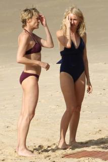 Robin Wright en Bikini [683x1024] [71.45 kb]