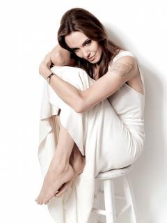 Angelina Jolie [1118x1489] [195.96 kb]