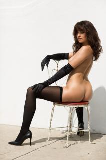 Nina Daniele en Playboy Desnuda [1920x2880] [607.52 kb]