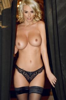 Rhian Sugden en Page 3 Desnuda [1000x1500] [242.08 kb]