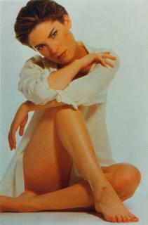 Lara Flynn Boyle [396x600] [23.95 kb]
