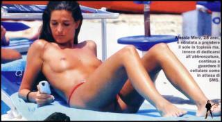 Alessia Merz in Topless [980x541] [66.52 kb]