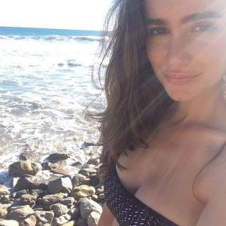 Alicia Sanz en Bikini [750x750] [125.59 kb]