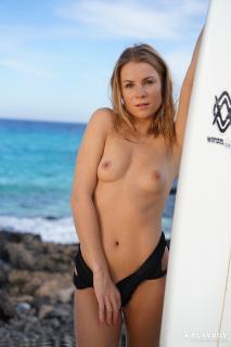 Kamila Joanna en Playboy Desnuda [1668x2500] [486.64 kb]