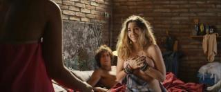 Natalia Rodríguez Arroyo en 3 Bodas De Mas Desnuda [1423x595] [80.5 kb]