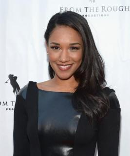 Candice Patton [497x594] [25.28 kb]