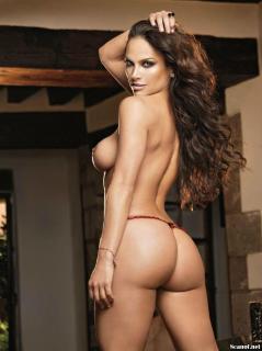 Fabiola Campomanes en Playboy Desnuda [1142x1527] [177.87 kb]