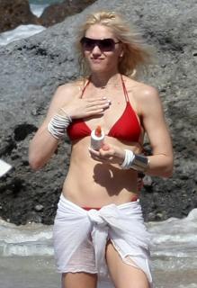 Gwen Stefani [1200x1753] [174.25 kb]