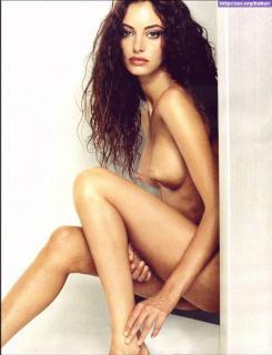 Carla Collado in Max Nude [696x906] [92.27 kb]