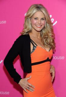 Christie Brinkley [2100x3041] [1426.45 kb]