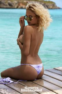 Rose Bertram en Si Swimsuit 2017 [1280x1920] [337.56 kb]