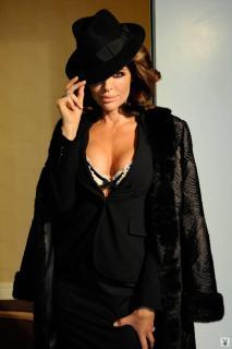Lisa Rinna in Playboy [1068x1600] [100.99 kb]