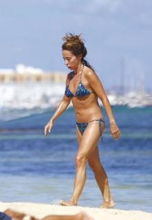 María Patiño en Bikini [480x692] [43.81 kb]