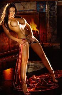 Aliya Wolf en Playboy [527x800] [75.38 kb]