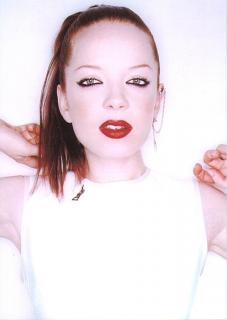 Shirley Manson [497x700] [30.47 kb]