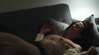 Elizabeth Reaser en Easy Desnuda [1280x720] [122.76 kb]