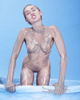 Miley Cyrus [1280x1600] [278.19 kb]