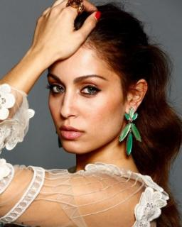 Hiba Abouk [476x593] [60.33 kb]