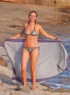 Susanna Griso en Bikini [2825x3843] [1078.81 kb]