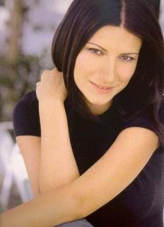 Laura Pausini [363x500] [19.91 kb]
