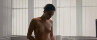 Kristen Stewart en Personal Shopper Desnuda [854x454] [37.2 kb]