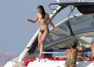 Rebecca Gayheart en Topless [2720x1950] [569.86 kb]