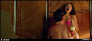 Jordana Brewster en Hogar No Tan Dulce Hogar Bikini [1940x878] [296.59 kb]