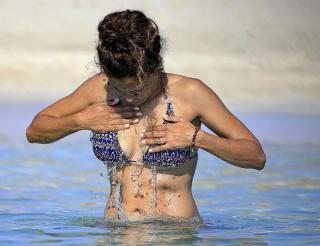 Patricia Pérez en Bikini [800x615] [75.37 kb]