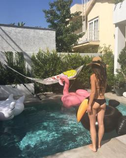 Alicia Sanz en Bikini [1080x1349] [385.04 kb]