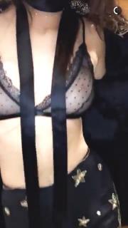 Kendall Jenner [1080x1920] [170.32 kb]