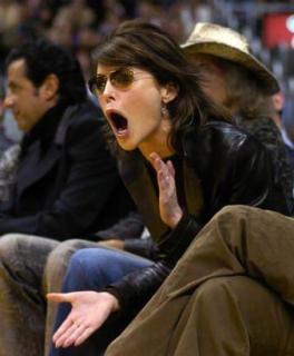 Lara Flynn Boyle [338x409] [20.95 kb]