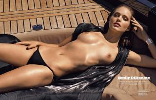 Emily DiDonato en Lui Magazine Desnuda [2805x1800] [512.92 kb]