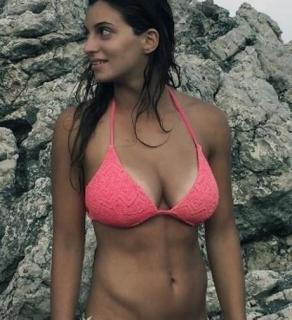 Rossella Fiamingo en Bikini [460x504] [61.94 kb]