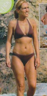Luján Argüelles en Bikini [432x869] [67.97 kb]