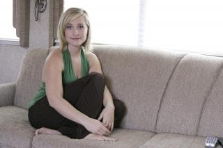 Allison Mack [3000x2000] [757.34 kb]
