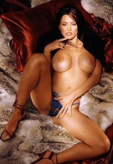 Aliya Wolf en Playboy [550x800] [92.22 kb]