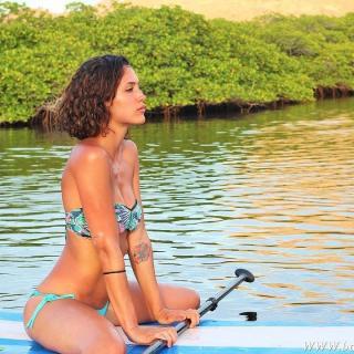 Michelle Calvó en Bikini [720x720] [162.66 kb]