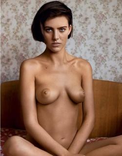 Eliza Cummings en Lui Magazine Desnuda [826x1056] [111.55 kb]