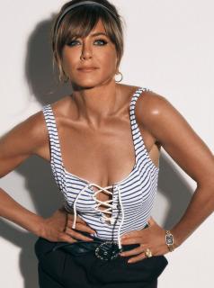 Jennifer Aniston [1429x1920] [263.96 kb]