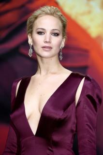 Jennifer Lawrence [2935x4403] [2138.17 kb]
