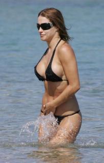Lola Ponce in Bikini [767x1200] [77.16 kb]