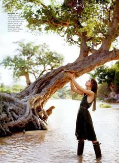 Keira Knightley in Vogue [733x1000] [215.89 kb]