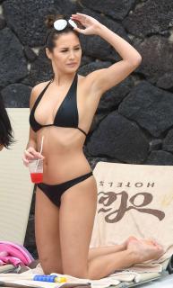 Chloe Goodman en Bikini [1500x2487] [604.45 kb]