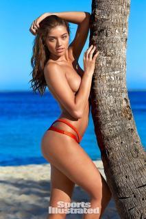 Daniela Lopez Osorio en Bikini [600x900] [164.31 kb]