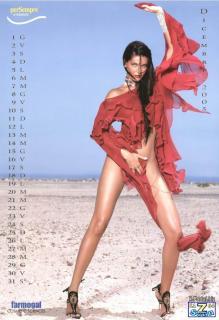 Alessia Merz en Calendario 2005 Desnuda [850x1242] [129 kb]